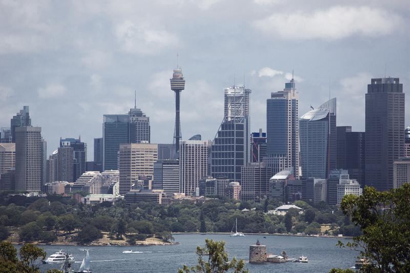 Sydney: Pięciomilionowe miasto spowite dymem
