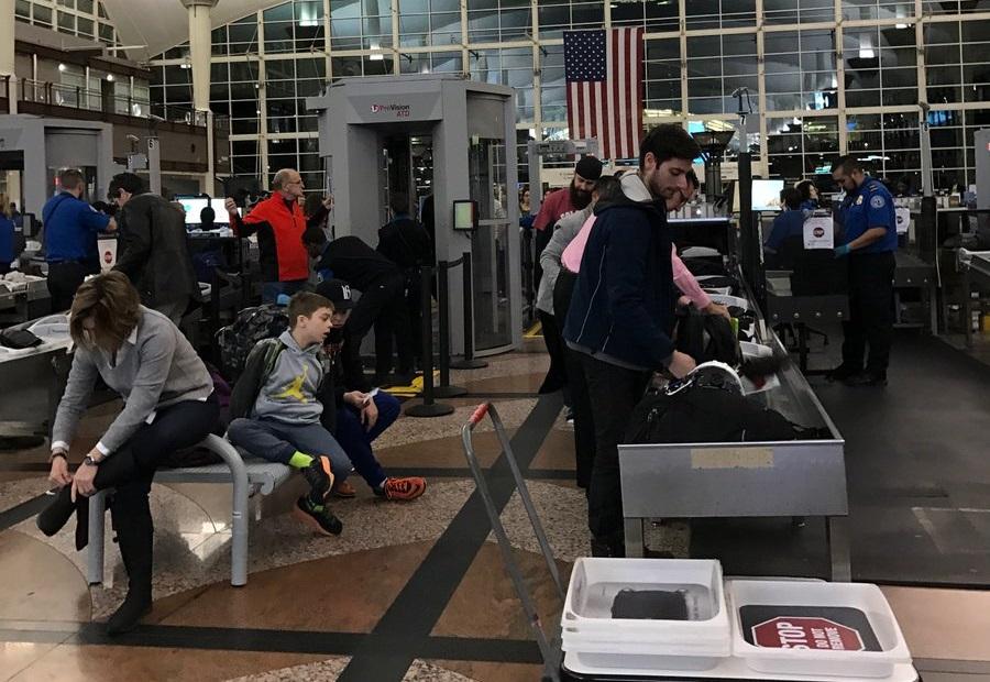 Obywatelom Jordanii sprawdzano telefony na lotnisku w Detroit