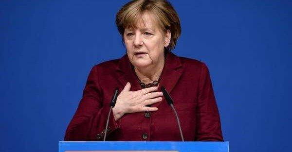 Niemcy: Merkel uratowana. Jest porozumienie w sprawie migracji