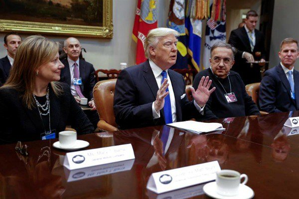 """Donald Trump: """"Kupuj amerykańskie, zatrudniaj Amerykanów"""""""