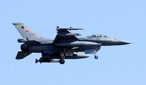 Izraelskie myśliwce znów ostrzelały Strefę Gazy