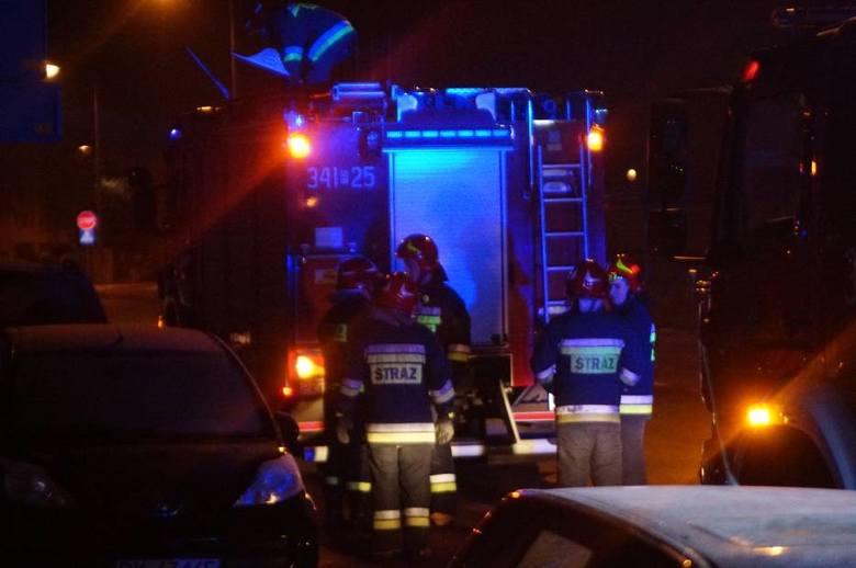 Jedna osoba zginęła, a jedna została ranna wskutek wybuchu przed domem jednorodzinnym w Bieszczadach