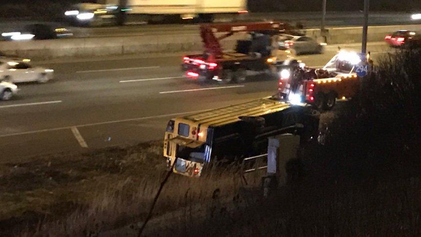 Wypadek autobusu szkolnego na I-294, 3 osoby ranne