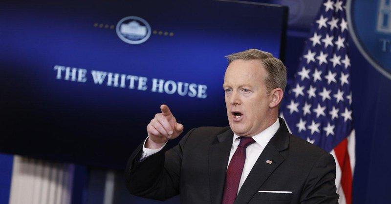 Koniec wolnych mediów w USA? Dziennikarze nie zostali wpuszczeni do Białego Domu!