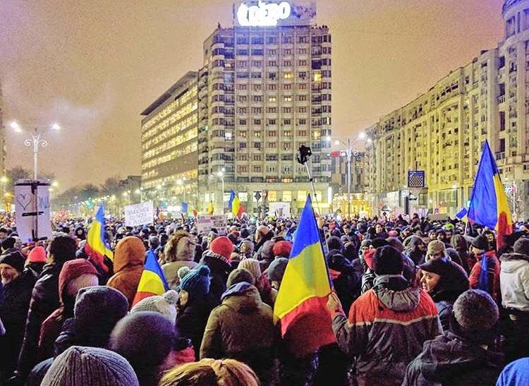 Rumuński rząd posłuchał obywateli. Nie złagodzi prawa korupcyjnego
