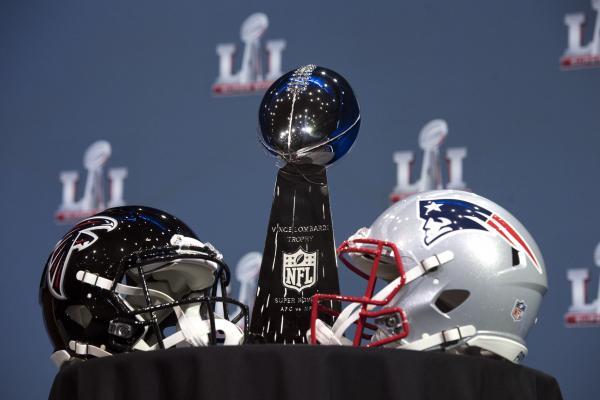 USA: Sportowe święto roku Super Bowl. Tysiące ton pizzy i hektolitry piwa…