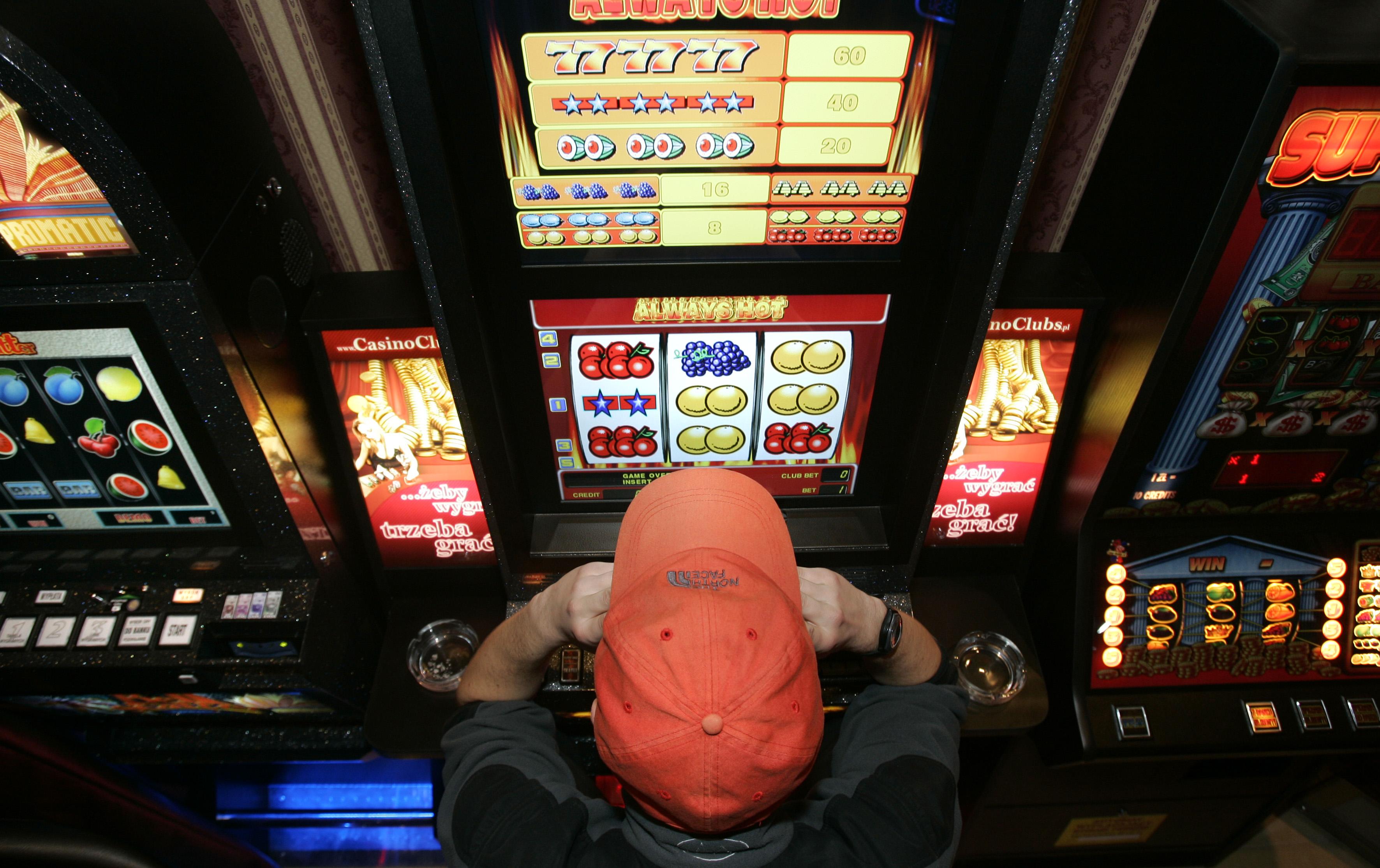 CBŚP: 22 zatrzymanych w związku z nielegalnym hazardem