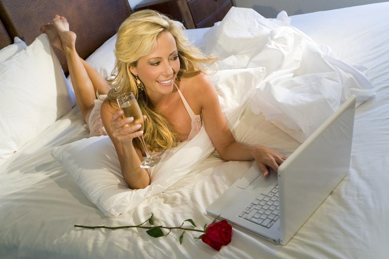 FBI: Uwaga na oszustów na portalach randkowych