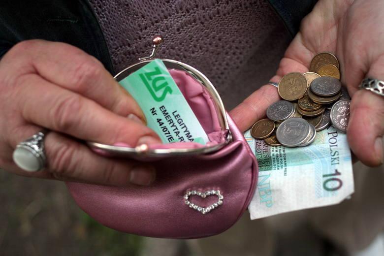 Kwotowa waloryzacja emerytur zastąpi zwykłą waloryzację. Jakie będą podwyżki emerytur?