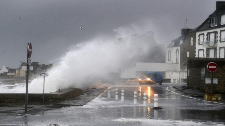 Wichury, sztorm i zagrożenie lawinowe we Francji