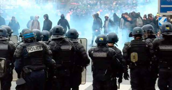 Francja: Zamieszki z udziałem licealistów