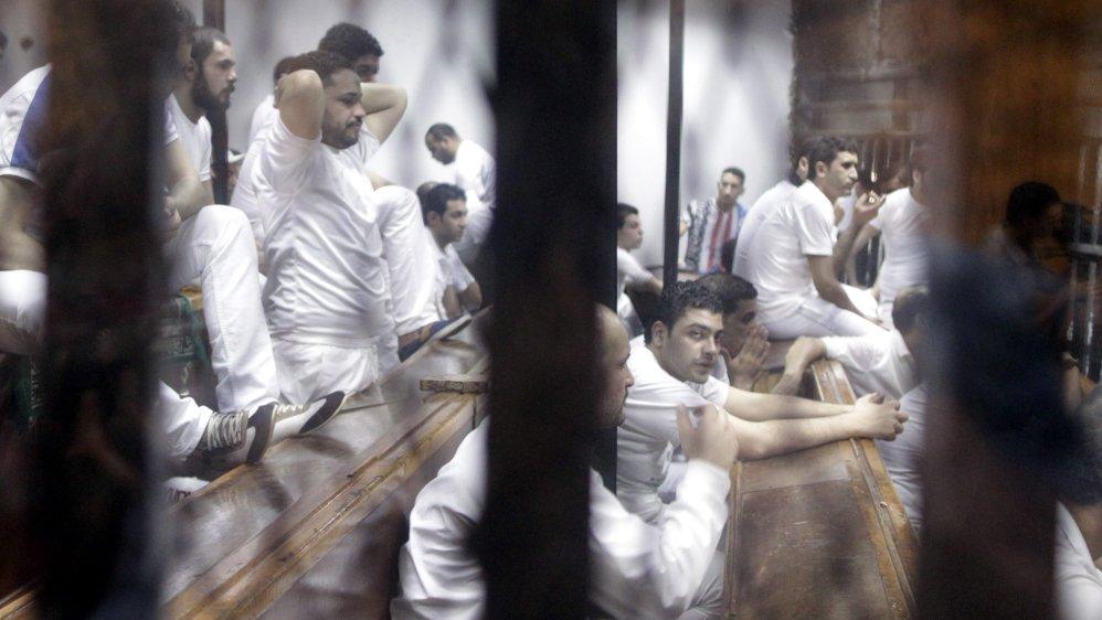 Kary śmierci dla 10 uczestników zamieszek na stadionie w Egipcie podtrzymane