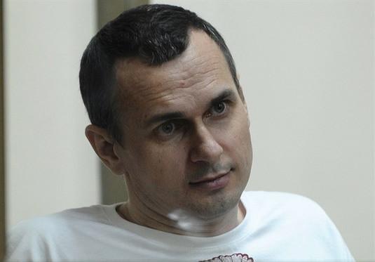 UE apeluje do Rosji o zwolnienie więźniów politycznych i leczenie Sencowa