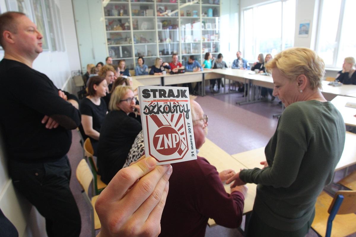 Dziś klapa… Negocjacje rządu z nauczycielskimi związkami zawodowymi będą kontynuowane jutro