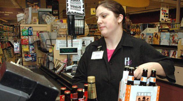 Litwa: Restrykcyjne prawo sprzedaży alkoholu; pierwsze grzywny