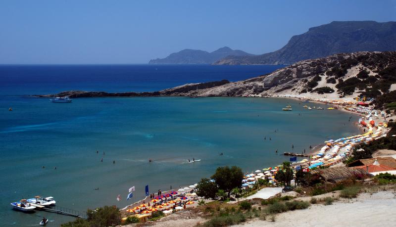 Grecy rozpoczęli morskie kąpiele