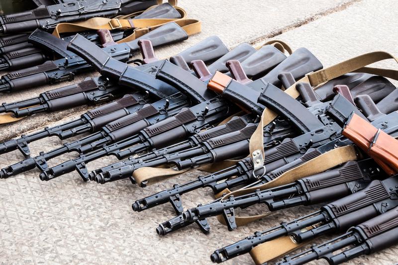 Długa broń od 21 roku życia? Senat w Kalifornii przyjął ustawę