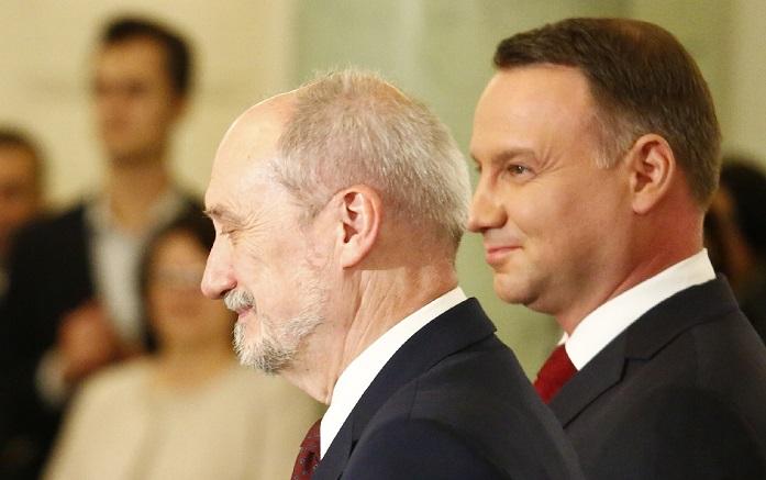 """Zybertowicz: """"Nie można mówić ani o wojnie, ani o tym, że prezydent blokuje reformy w armii"""""""