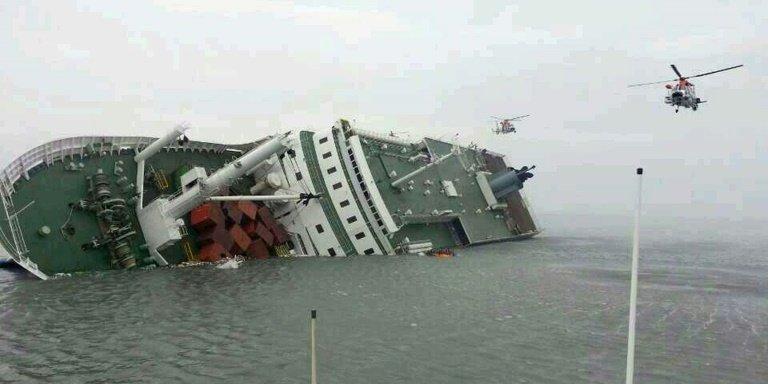 Korea Południowa – rozpoczęto podnoszenie zatopionego promu