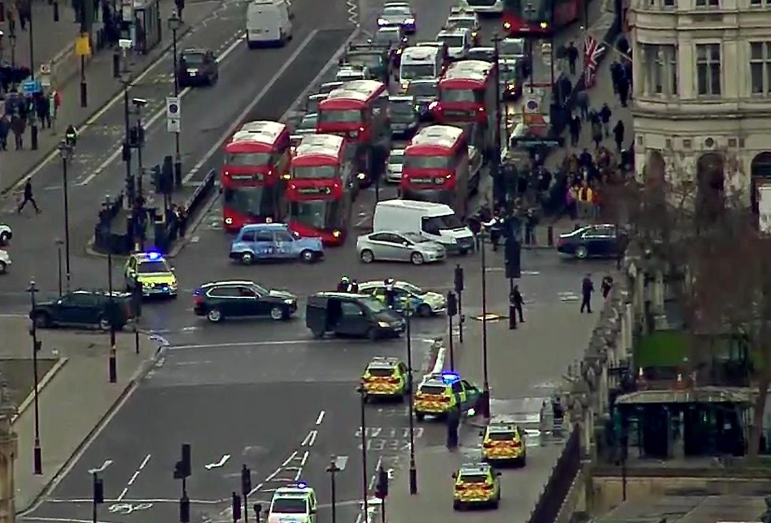 Strzelanina przed siedzibą brytyjskiego parlamentu w Londynie