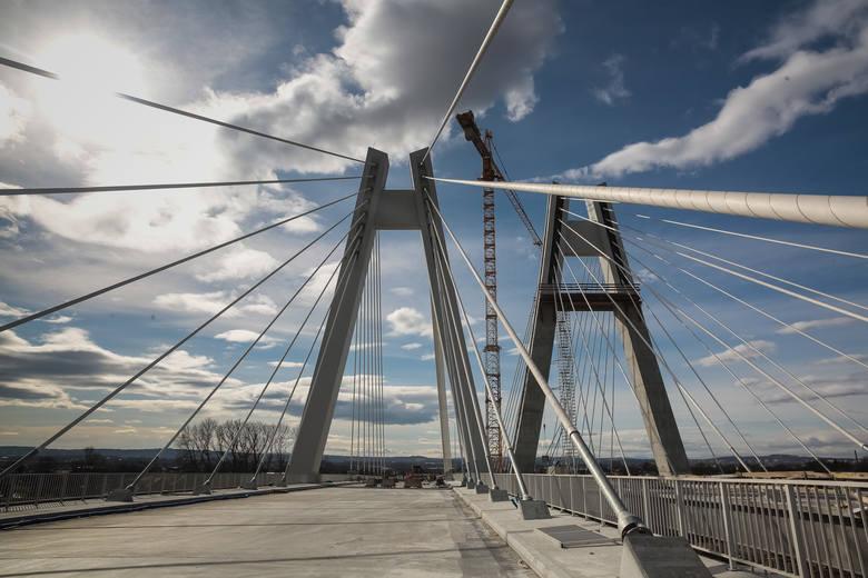 """""""Jeszcze jeden nowy most…"""". Rząd pomoże samorządom wybudować mosty"""