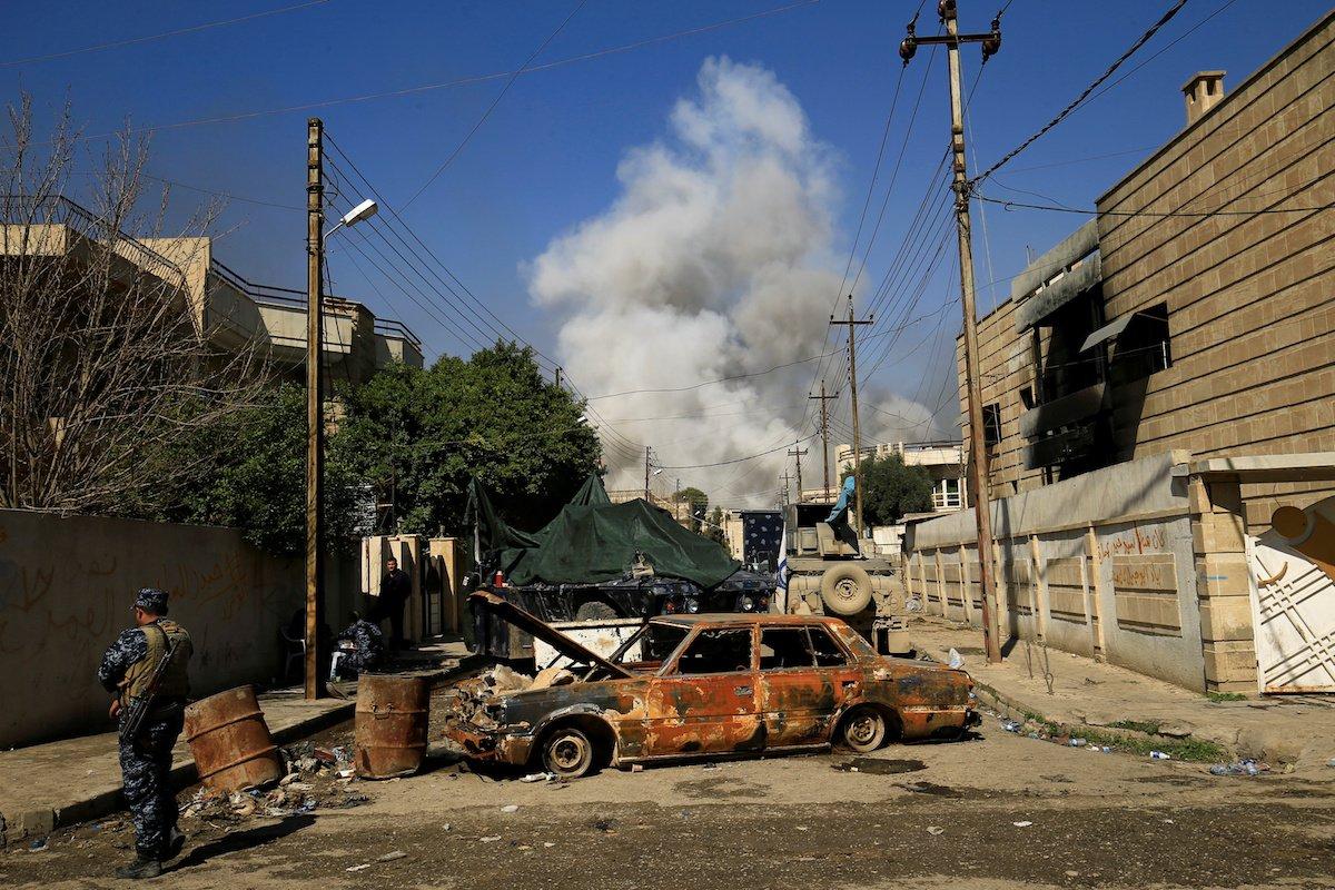 Cywile masowo uciekają z Mosulu