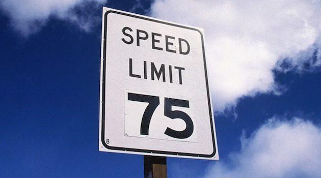 Chcą zawetowania ustawy podnoszącej ograniczenie prędkości do 75 mil na godzinę