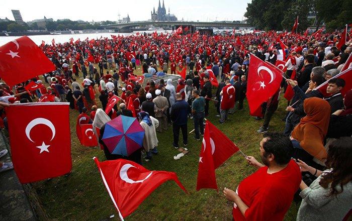 Turcy mieszkający w Niemczech będą mogli uczestniczyć w tureckim referendum konstytucyjnym