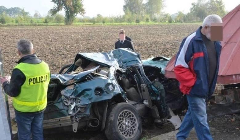 Wypadek pod Lubinem. Zabił trzech kolegów jadąc 160 km/h