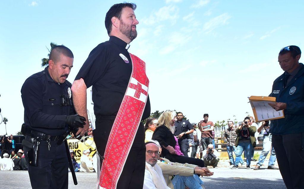 Protestowali przeciwko zatrzymywaniu imigrantów. 35 aresztowanych