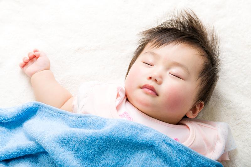 Po dziesięcioleciach ścisłej kontroli urodzeń, Chiny odchodzą od polityki planowania rodziny
