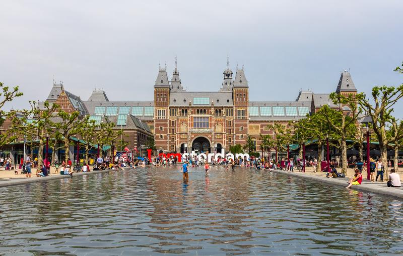 Amsterdam najlepszym miastem do życia dla młodych