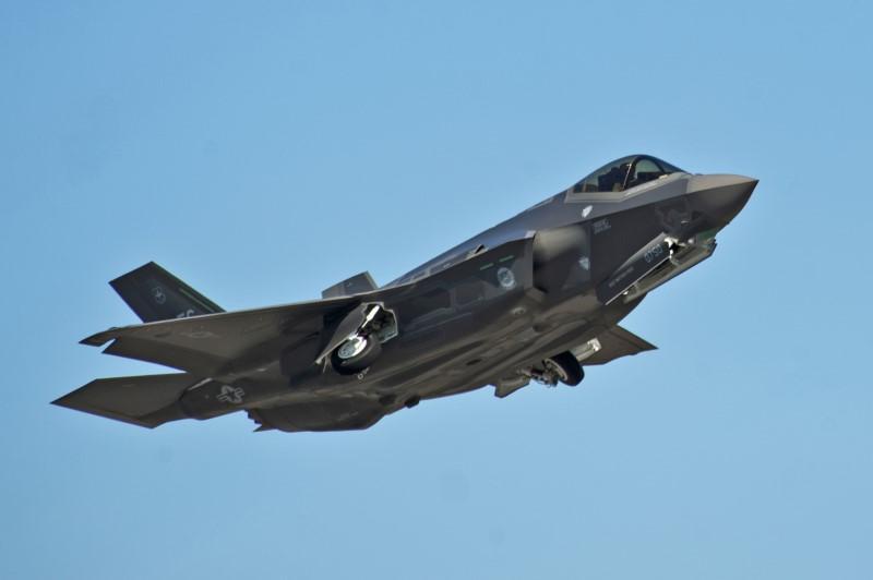 Amerykańskie myśliwce F-35 po raz pierwszy w Europie