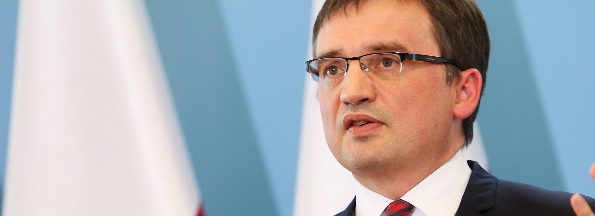 """Ziobro: Prokuratura bada wątek """"zleceniodawcy"""" materiału o urodzinach A. Hitlera"""