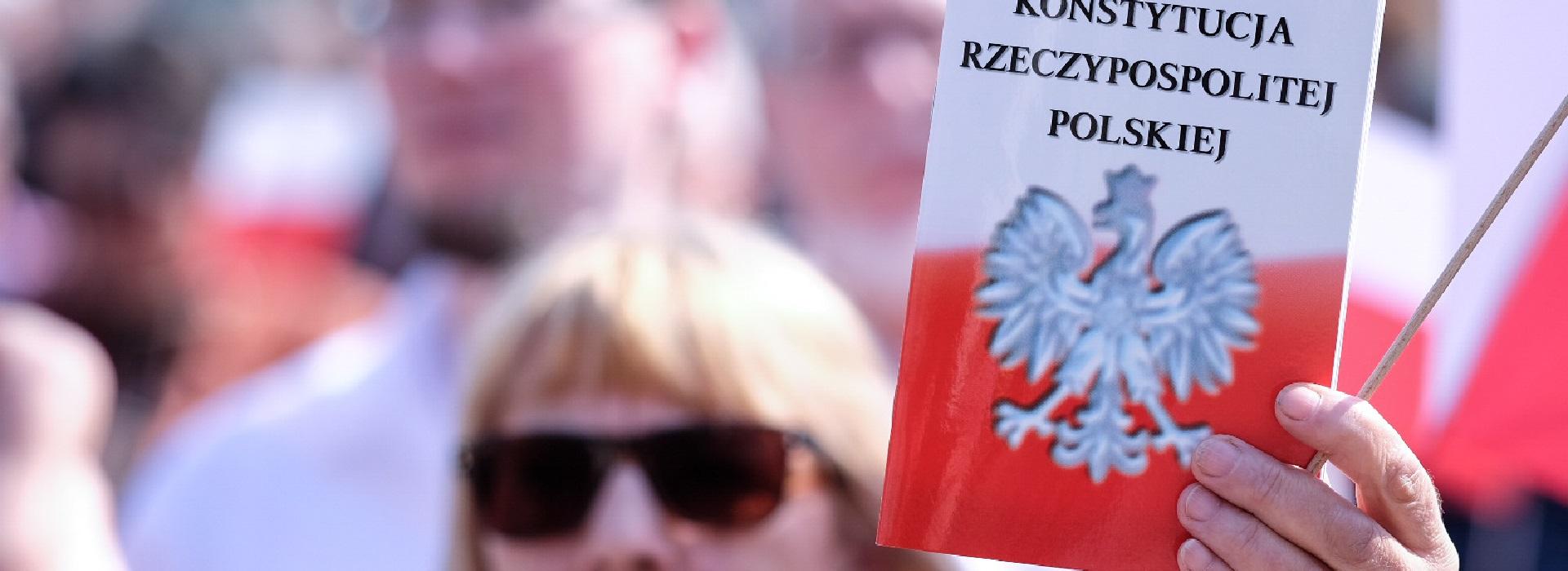 W Gdańsku początek przedreferendalnych dyskusji nad zmianami w konstytucji