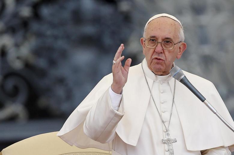 Papież w Dzień Zaduszny: Wojna przynosi tylko śmierć i zniszczenie, ale ludzkość o tym zapomina