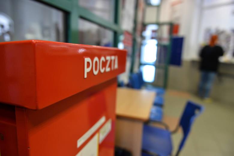 Poczta Polska nas zaskoczy? Listonosz będzie przynosił listy z opóźnieniem?