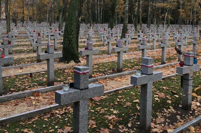 Na ratowanie Starych Powązek darczyńcy ofiarowali 235 tysięcy złotych