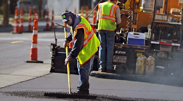 Burmistrz Emanuel zapowiedział naprawę 250 mil chicagowskich dróg