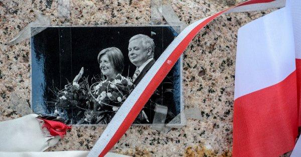 Rząd ma w planach rozbudowę Pomnika Ofiar Tragedii Smoleńskiej na Placu Piłsudskiego w Warszawie