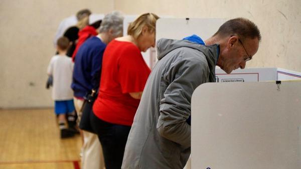 Kalifornia chce wcześniejszych prawyborów