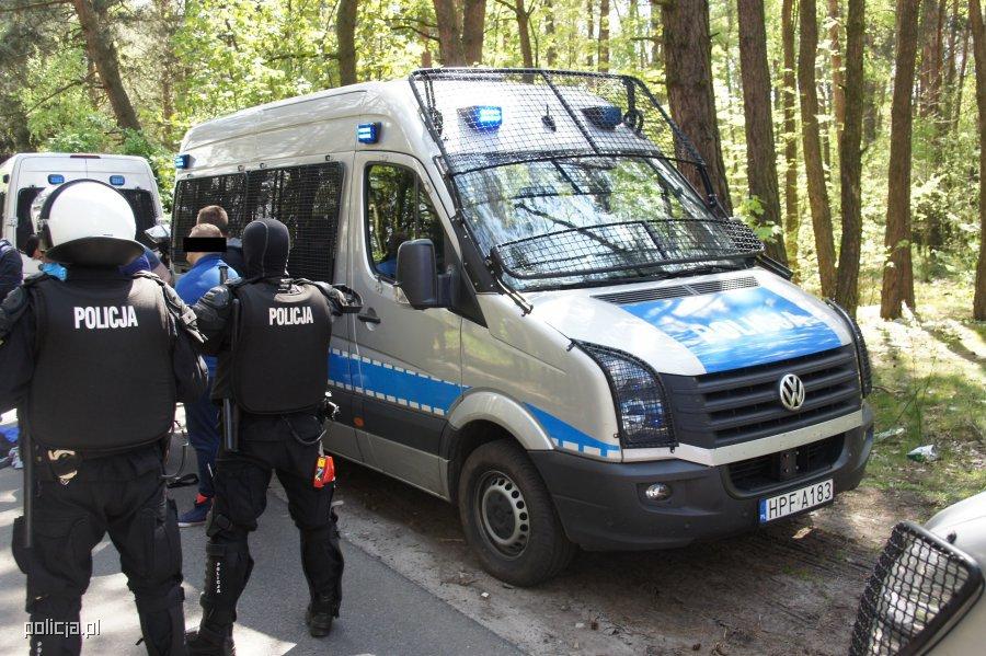Pseudokibice planowali brutalny napad w rejonie autostrady