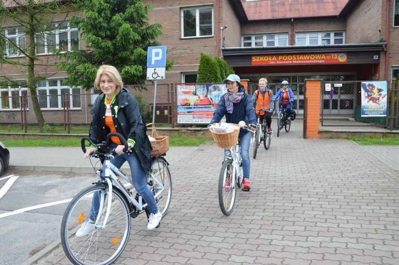 Odjazdowe bibliotekarki na rowerach