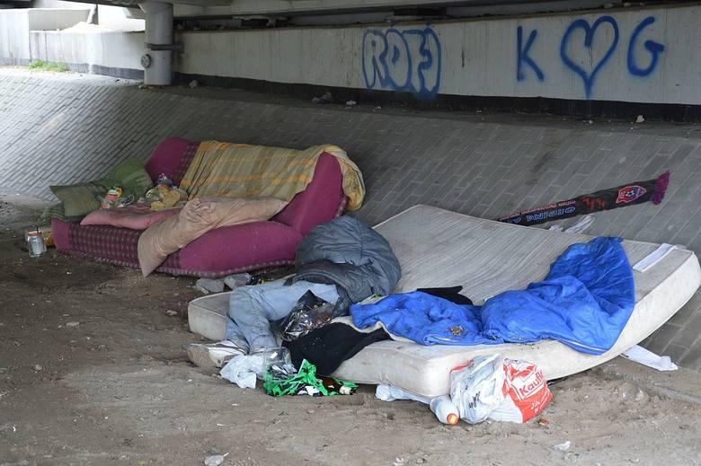 Bezdomni w Stalowej Woli chcą mieć mieszkanie. Poruszający raport