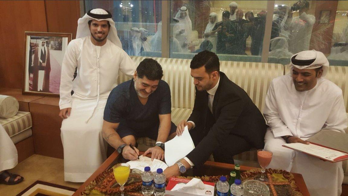 Maradona wraca na trenerską ławkę w… Zjednoczonych Emiratach Arabskich
