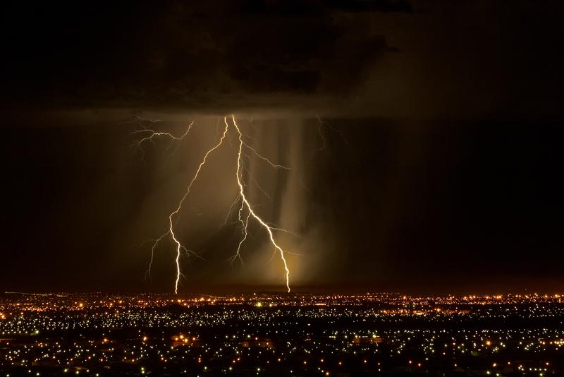 2,5 tys. piorunów na niebie. Rekordowa burza w stanie Waszyngton