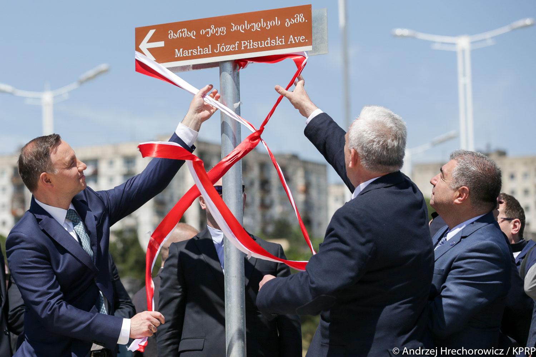 Andrzej Duda otworzył w Tbilisi Aleję Józefa Piłsudskiego