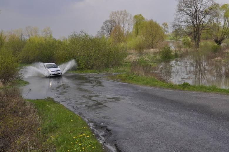 Na południu Polski stabilizuje się sytuacja powodziowa. Poziom wody w rzekach wciąż jednak jest wysoki