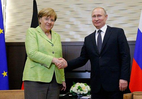 Spotkanie Merkel i Putina: Rosja i Niemcy nie przerwą budowy gazociągu Nord Stream 2
