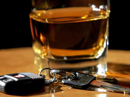 Zatrzymany za nietrzeźwą jazdę mężczyzna tłumaczył, że pił tylko na światłach